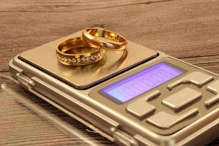 Peso e quotazione dell'oro usato