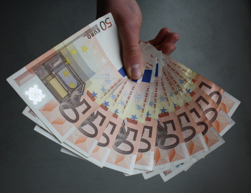 Investire 1000 euro oggi