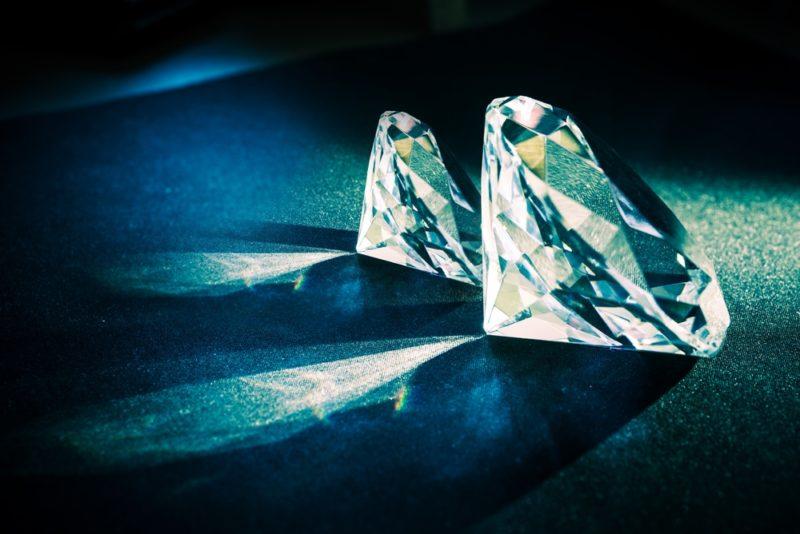 Mercati finanziari investire in diamanti