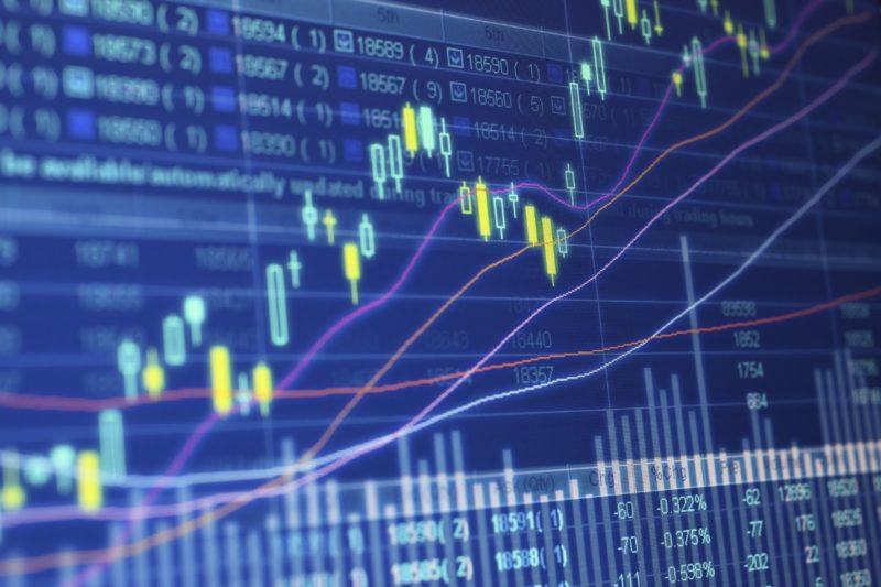 Mercati finanziari oggi sterlina